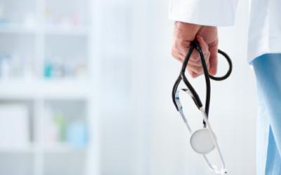 """CRMV-RJ autua clínica veterinária que usava o termo """"Hospital Popular"""" e encaminha denúncia ao Procon-RJ por propaganda enganosa"""